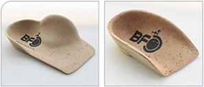 扁平足治療用の足底装置